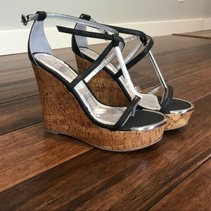 New in box Shi by Journey's Ross Lyn wedges